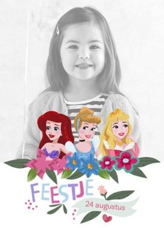 - een-prinsessenkaart-met-foto-voor-het-feestje