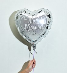 Ballon Heart Just Married