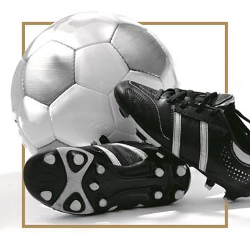 - voetbal-en-voetbalschoenen