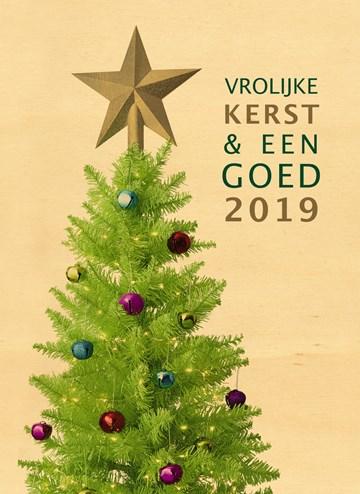 Kerstkaart - kerstboom-met-piek-op-hout