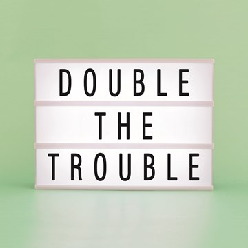 - letterbord-kaart-double-the-trouble