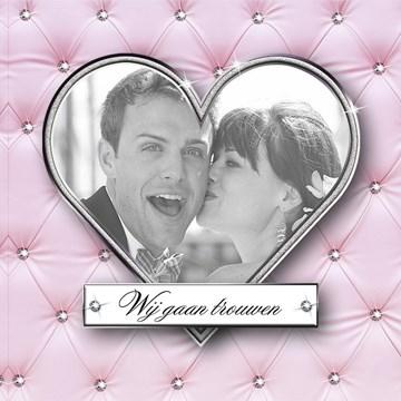 - huwelijk-kaart-wij-gaan-trouwen-roze-met-hart