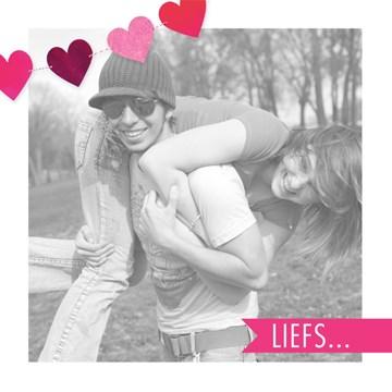 valentijnskaart - fotokaart-liefs-met-hartjes