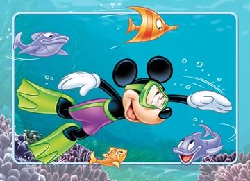 - mickey-mouse-onder-water-tussen-vissen