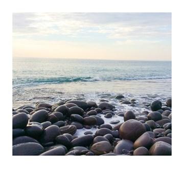 - Sterktekaart-zee-met-keien