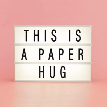 - letterbord-kaart-met-de-tekst-this-is-a-paper-hug