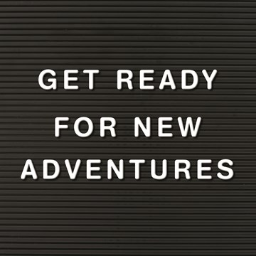 Afscheidkaart - letterbord-kaart-met-de-tekst-get-ready-for-new-adventures