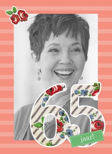 - Vijfenzestig-jaar-met-rode-bloemen