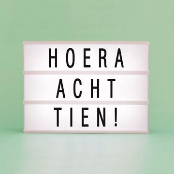 - hoera-achttien