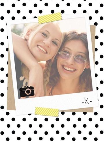 - fotokaart-blanco-wit-met-zwarte-stippen