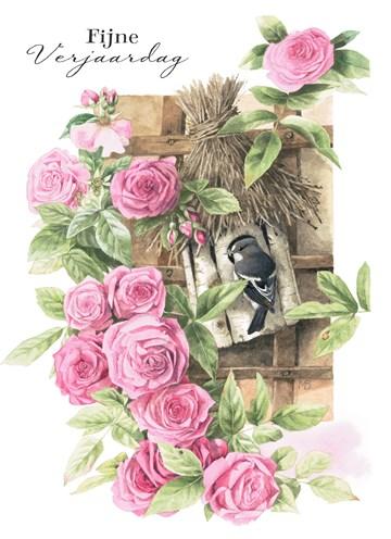 - vogel-in-vogelhuisje-tussen-rozen