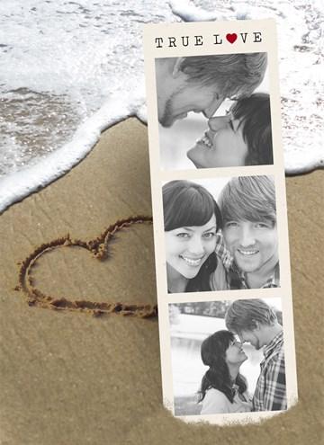 Valentijnskaart - fotokaart-hart-getekend-in-het-zand