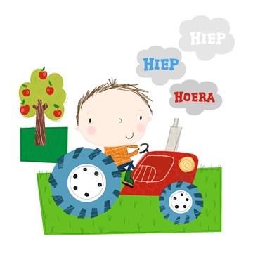 - jongen-op-tractor-hiep-hoera