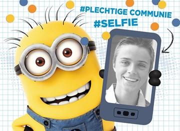 Communie kaart - een-super-coole-plechtige-communie-selfie-van-de-minions-met-een-mobieltje