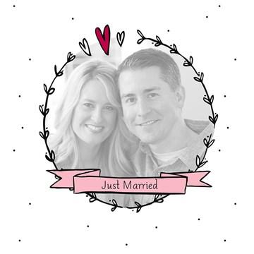 Huwelijkskaart met foto - fotokaart-vierkant-just-married-hartjeskrans