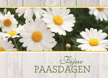 Paaskaart - bloemen-kaart-fijne-paasdagen-met-houten-achtergrond