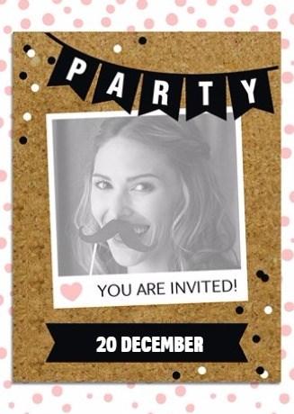 - vrouwelijke-uitnodiging-met-slinger-voor-feest